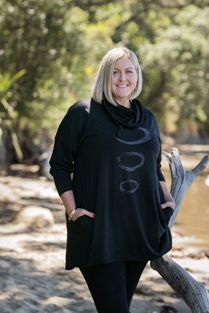 merino hooded top with pockets